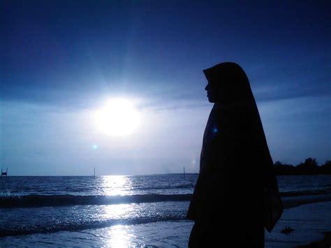kebahagiaan wanita sejati  kembali  islam voa