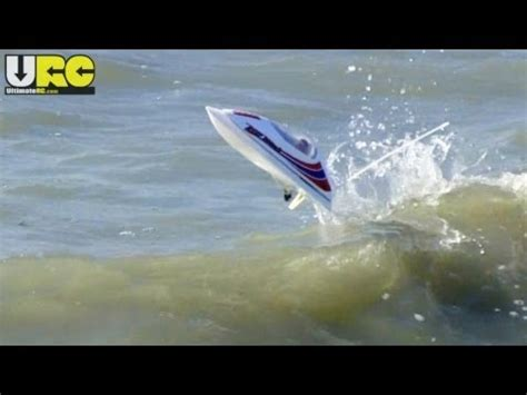 Rc Boats Vs Waves by Rc Aquacraft Rc Boat Reef Racer 2 Doovi
