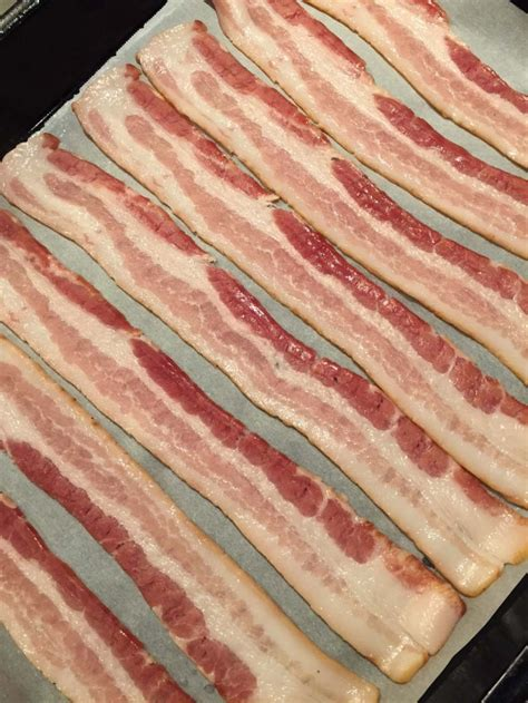 bacon baked oven baking crispy cook sheet parchment strips paper foil