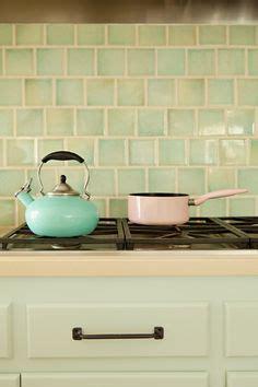 enamel kitchen cabinets 1000 images about kitchen backsplash on 3563