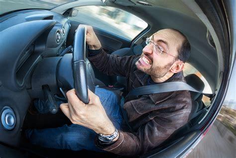 5 Bad Driving Habits You Should Stop