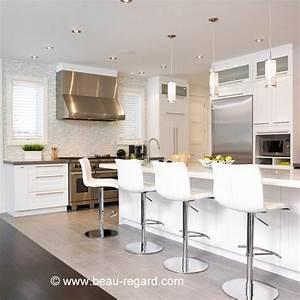 Armoire de cuisine en bois massif armoire contemporaine for Deco cuisine avec chaise blanche contemporaine
