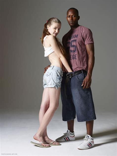 emily und mike streetwear nackt