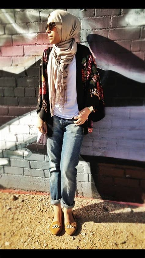 30 Stylish Ways to Wear Hijab with Jeans for Chic look | Stylish 30th and Hijab outfit