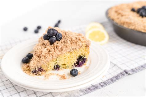 Filled with streusel in the middle of the cake and on top, then finished with a maple glaze drizzle…it's coffee cake perfection. Ina Garten's Blueberry Crumb Coffee Cake - Bunny's Warm Oven