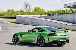 Mercedes AMG GT R Revealed 577 Hp And 699 Nm Image 512690