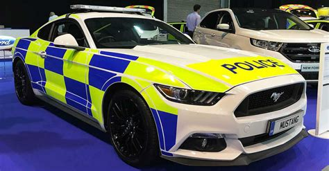 fastest police car 25 fastest police cars from around the world