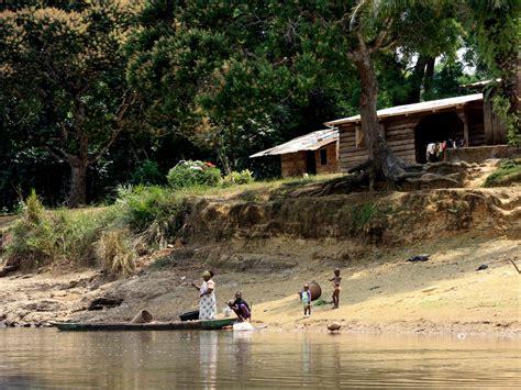haus am fluss kaufen haus am fluss foto bild africa central africa gabun bilder auf fotocommunity