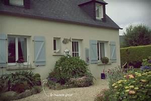 La Maison Du Volet : c 39 tait une maison bleue les filles d 39 avril ~ Melissatoandfro.com Idées de Décoration