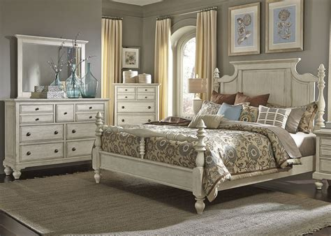High Country White Poster Bedroom Set From Liberty (697br
