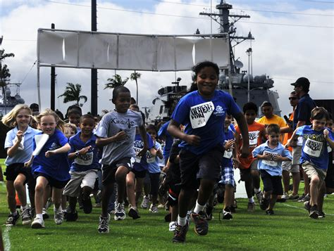 file us navy 100519 n 7498l 053 children from the morale 373 | US Navy 100519 N 7498L 053 Children from the Morale%2C Welfare and Recreation %28MWR%29 Youth Sports Program at Commander%2C Navy Region Hawaii%2C participate in a 1.5 mile fun run