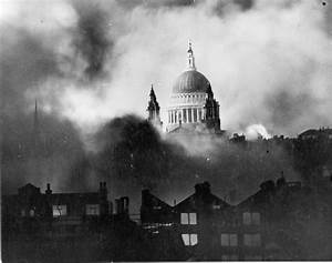 St Paul's Survives - Wikipedia