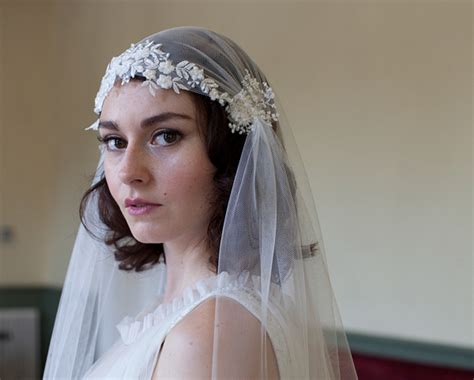 Vintage Style Wedding Headpieces, Hats And