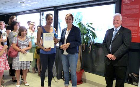 ceremonie de remise des certificats du hsk le  juin