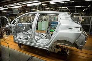 Nissan Leaf 2018 60 Kwh : 60 kwh nissan leaf e plus expected to cost more than tesla model 3 autoevolution ~ Melissatoandfro.com Idées de Décoration