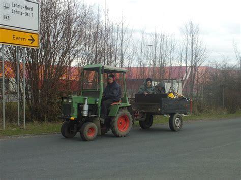 traktor mit anhänger kleiner traktor mit anh 228 nger in lehrte in april 10