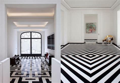 Flats Black and White   one Decor