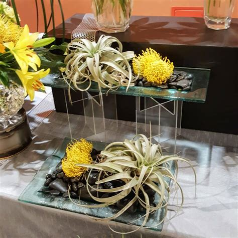 New Look Floral Design by Floral Design Trends For 2017
