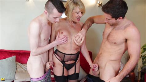 Amy Xxxxxx In Mature Granny In Black Lingerie Satisfies