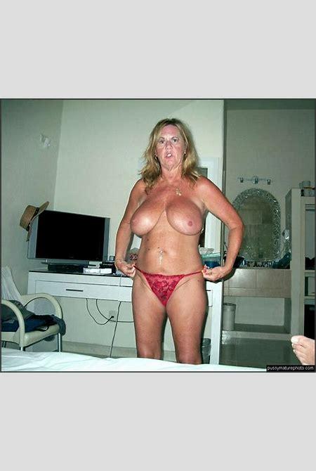Sexy femmes au foyer mature avec...
