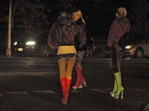 Ubi Dalmine Orari Blitz Antiprostituzione Sgominate Cinque Bande Corriere It