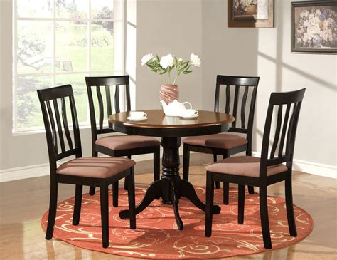 kitchen tables  chairs  grasscloth wallpaper