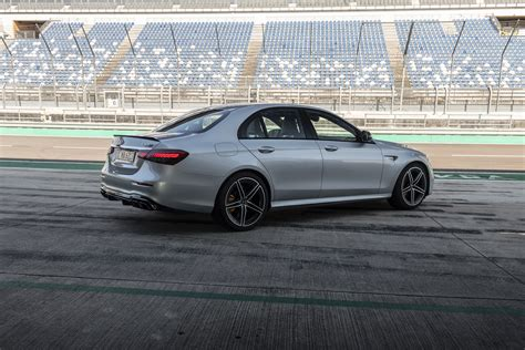 Explore the amg c 63 s sedan, including specifications, key features, packages and more. See The Facelifted 2021 Mercedes-AMG E63 And E53 Sedan, Estate And Cabrio From Every Angle - NVQ