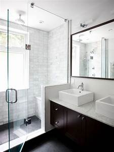 11 idees et conseils pour faire paraitre une petite salle With how to make a small bathroom look nice