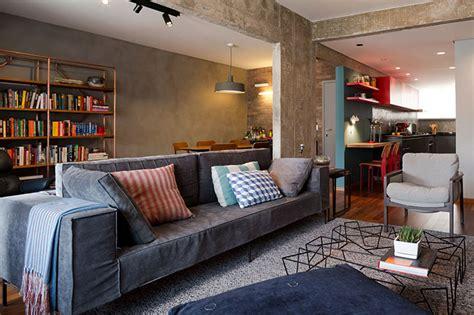 sofa vermelho queimado inspire se 10 exemplos de salas decoradas