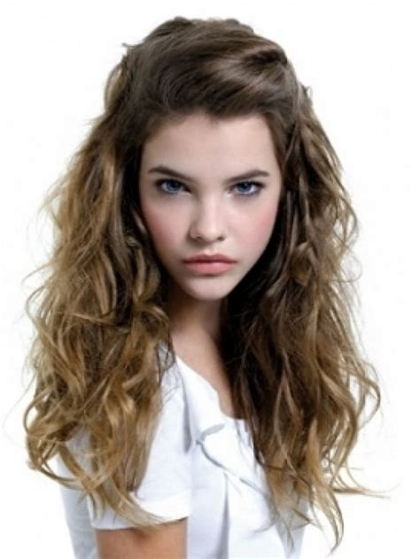 27 curly hairstyles for school elle hairstyles