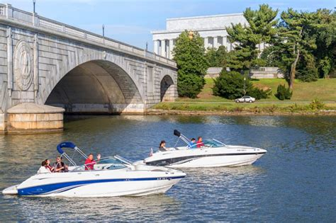 Fishing Boat Rental Dc by Best Boating Experiences You Need To Try In Dc