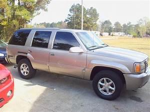 1999 Cadillac Escalade - Pictures
