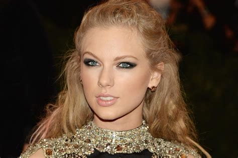 Taylor Swift Gets Her Punk on at the Met Ball in NYC ...