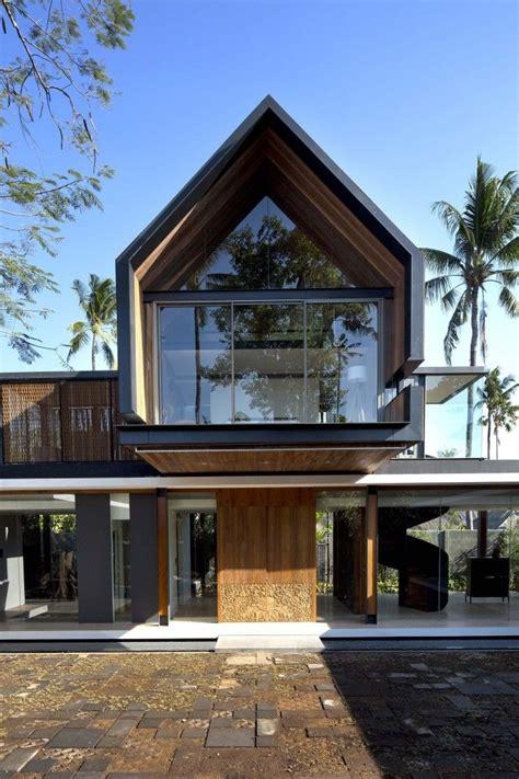 Gallery of Svarga Residence / RT+Q Architects 6