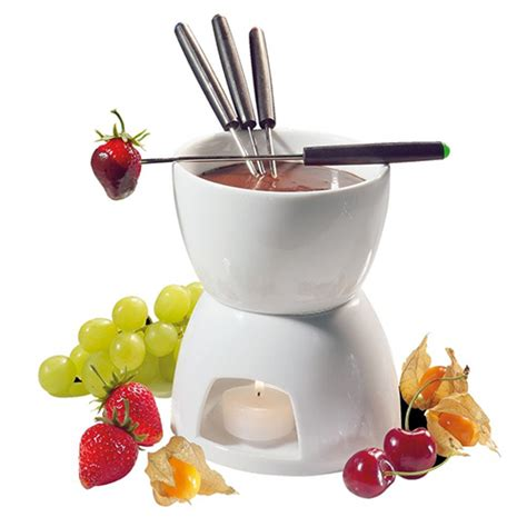 fondue pot 10 best fondue pots and sets for 2018 ceramic and electric fondue pots for entertaining