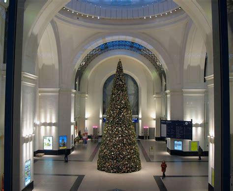 kuppelhalle dresden hbf mit weihnachtsbaum dezember 2006