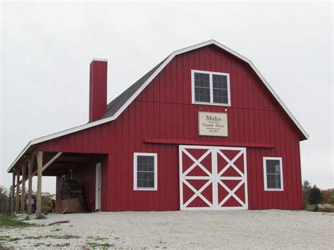 Barn Ideas by Gambrel Barn Barns In 2019 Barn Builders Pole Barn