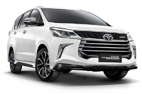 toyota innova crysta facelift rendered launch
