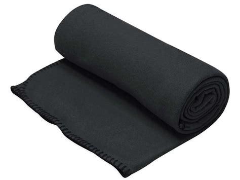 canapé 3 places conforama plaid 130x160 cm one coloris noir vente de plaid et