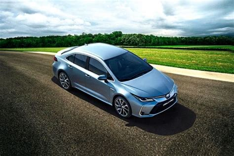 toyota corolla  specifications features configurations dimensions