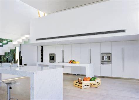 cuisine blanc laqué pas cher cuisine laque blanche u2026une cuisine en u0026