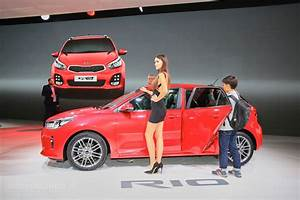 Kia Paris : 2017 kia rio makes paris debut looks good from both angles autoevolution ~ Gottalentnigeria.com Avis de Voitures