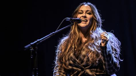 Alanis Morissette announces rescheduled dates for 'Jagged ...