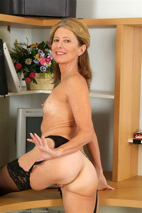 sex hd mobile pics all over 30 janet elite sexy mature