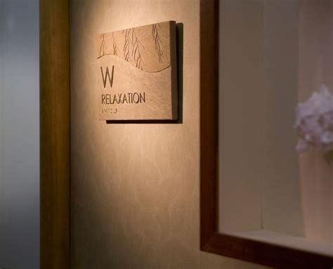 25+ Best Ideas About Hotel Signage On Pinterest