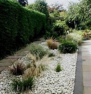 galet decoratif blanc plus de 45 idees pour vous inspirer With superior allee de jardin en galet 12 jardin moderne avec du gravier decoratif galets et plantes