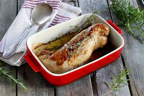 cuisiner un filet mignon de porc recette filet mignon de porc au four en pas à pas