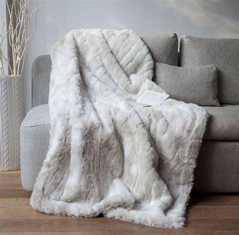 canapé chaud les 25 meilleures idées de la catégorie plaid pour canapé