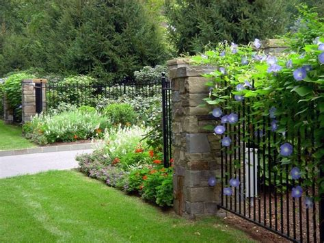 Small Fenced In Backyard Landscaping Ideas