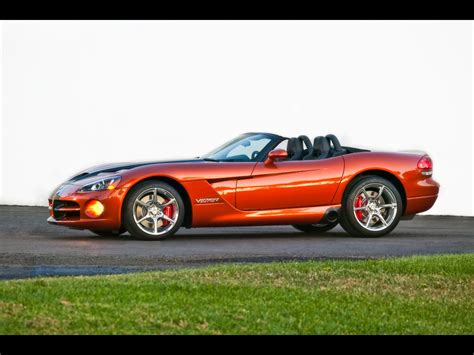 2010 Dodge Viper SRT10 - Side Angle - 1280x960 - Wallpaper